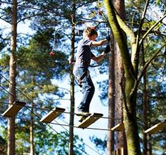 Go Ape Zip Line & Treetop Adventure: gift certificates make an awesome Christmas or birthday gift for the adventurous people in your life. Great family activity, too!