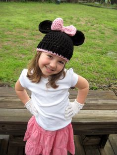 "I will get mommy/daughter hats like this for her first trip to Disney world! (or a Mickey version, if it's a ""he"")"