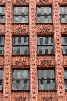 Louis Sullivan's 1895 Guaranty Building Buffalo NY. Recommended by Iggy Peck, Architect, book by Andrea Beaty. Brick Architecture, Historical Architecture, Beautiful Architecture, Beautiful Buildings, Architecture Details, Art Nouveau, Art Deco, Louis Sullivan, Windows