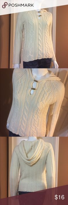 Cream Hoodie Old Navy Wool Sweater Gently worn. Size Medium Cream Hoodie Old Navy Wool Sweater. 65% lambswool, 35% nylon. Top measures approximately 17 inches from armpit to armpit and 23 inches in total length. No rips, stains or tears. Non-smoking home. Old Navy Sweaters