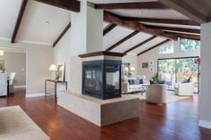 Spacious Contemporary Adjacent to the Lafayette-Moraga Regional Trail. Visit http://281fernwood.com/ for information.