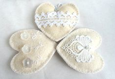 Wool felt heart ornaments  with button flowers and lace set of 3 - White Shabby Chic Vintage - Wedding Christmas Birthday gift -  home decor...