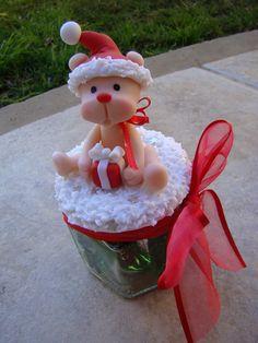 Frascos navidad Christmas Topper, Christmas Craft Fair, Quilling Christmas, Polymer Clay Christmas, Cute Christmas Gifts, Christmas Animals, Christmas Projects, Christmas Ornaments, Polymer Clay Ornaments