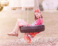 child photography, lifestyle photography, tire swing,
