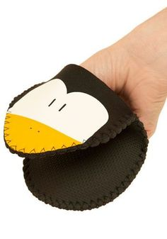 Penguin Pals Oven Mitts.....fun gift for the baker!