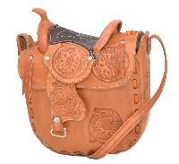 I love western things especially purses.    /  I definitely want this, it's so awesome EL.  Just bought this EL.