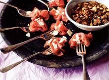 Carpacciorolletjes met rode portsaus - Recept - Allerhande - Albert Heijn