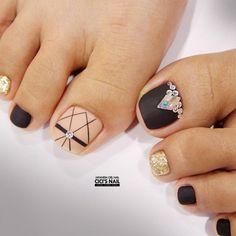 Diferentes diseños de los pies juntos