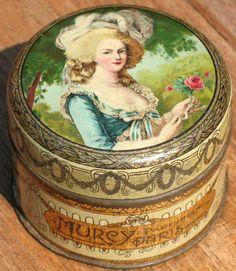 Marie Antoinette Powder Jar - Charming-Elegance