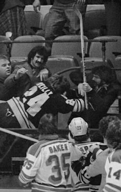 Terry O'Reilly connecting with the fans. Bobby Orr, Boston Bruins Hockey, South Boston, Maximum Effort, Boston Sports, O Reilly, World Of Sports, Hockey Players, Raiders