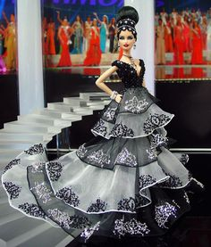 Barbie Miss Illinois Ninimomo 2013 Barbie Gowns, Barbie Clothes, Barbie Miss, Barbie Style, Miss Pageant, Custom Barbie, Diva Dolls, Poppy Parker, Beautiful Barbie Dolls