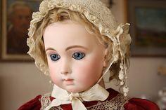 Doll, a BEBE_JUMEAU very Triste, sad.....