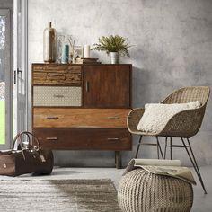 Wat een eyecatcher! Deze prachtige dressoir van La Forma is een stijlvolle aanvulling voor je interieur. De verschillende lades van deze kast geven dit meubelstuk een speelse uitstraling.