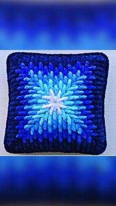 Crochet Angel Pattern, Granny Square Crochet Pattern, Crochet Chart, Crochet Squares, Crochet Stitches, Cute Crochet, Knit Crochet, Christmas Crochet Patterns, Crochet Baby Clothes