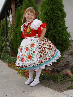 Young girl in traditional folk costume Polish Embroidery, Hungarian Embroidery, Folk Costume, Costume Dress, Hungarian Girls, Kids Around The World, Beautiful Patterns, World Cultures, Traditional Dresses