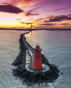 A beautiful sunset, Poolbeg Lighthouse, Dublin, Ireland. Cool Pictures, Beautiful Pictures, Lighthouse Pictures, Beyond The Sea, Beacon Of Light, Am Meer, Ciel, Belle Photo, Beautiful Landscapes
