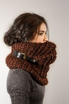 Fantastic cowl, i will make this myself. There is one that I ♥ however, pricey.