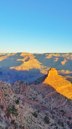 ALL the info you need to decide the best Grand Canyon day hike for you! Grand Canyon Sunrise, Grand Canyon Hiking, Arizona National Parks, Grand Canyon National Park, Arizona Road Trip, Arizona Travel, Bali Travel Guide, Travel Tips, Travel Destinations