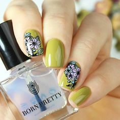 "1,656 Likes, 9 Comments - BornPretty Official (@bornprettystore) on Instagram: ""Beautiful floral nails shared here! Manicured by @yyulia_m. Using #bornpretty  Floral theme…"""