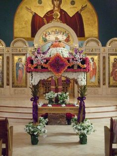 Tomb of Christ adorned in Greek Orthodox Churches on Great and Holy Friday End Of Lent, Holy Friday, Little Hen, Orthodox Easter, Pagan Festivals, Greek Easter, About Easter, Church Flowers, Easter Traditions