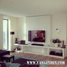 TV wand (TV meubel) van steigerhout, wit gebeitst. www.vanlonden.com