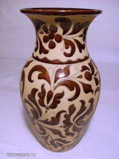 Folk Art, Ceramics, Tips, Ceramica, Pottery, Popular Art, Ceramic Art, Porcelain, Counseling