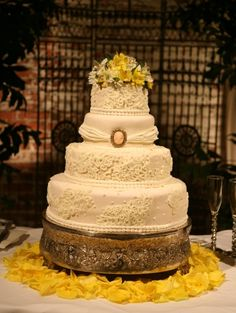 Hand Pipped lace wedding cake