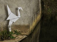 7 animated GIFs of Banksy street art you have to see Banksy Graffiti, Street Art Banksy, Banksy Work, Bansky, Gifs, Gif Animé, Animated Gif, Land Art, Street Artists