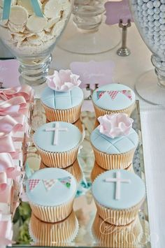 Party Inspirations: Boy Girl Christening by Styled By Coco (cupcakes for boys baptism) Baptism Cupcakes, Christening Cake Boy, Baptism Cookies, Baby Baptism, Baptism Party, Fondant Cupcakes, First Communion Cakes, First Holy Communion, Baptism Decorations