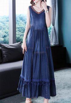 V-neck Sleeveless Splicing Big Hem Denim Dress Source by ezpopsy dress outfits Cheap Dresses, Casual Dresses, Summer Dresses, Linen Dresses, Cotton Dresses, Denim Dresses, Maxi Dresses, Artisanats Denim, Long Jacket Dresses