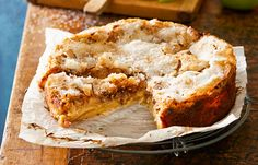 Gluten-free apple and pecan cake Muesli, Gluten Free Cakes, Gluten Free Recipes, Slimming World, Cake Recipes, Dessert Recipes, Apple Recipes, Baking Recipes, Diet Recipes