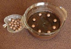 Csokipuding keményítővel mikróban Dog Bowls, Rum, Pudding, Desserts, Food, Tailgate Desserts, Deserts, Custard Pudding, Essen