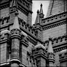 Black and White Photos of The Top of the Mormon Temple - Metroscap.com