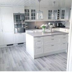 Stunning 43 Stunning White Kitchen Design Ideas To Try. Stunning 43 Stunning White Kitchen Design Ideas To Try. Home Kitchens, Kitchen Design Small, Kitchen Design, Kitchen Cabinet Design, Kitchen Renovation, Modern Kitchen, White Kitchen Design, Home Decor Kitchen, Kitchen Interior