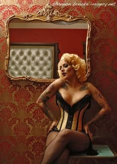 A very burlesque-y kind of corset
