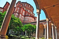Chiesa Santa Maria delle Grazie This symbol of the Italian Renaissance was built between 1463 and 1497 on the ashes of an ancient chapel dedicated to Our Lady of Grace, at the behest of the Duke of Milan, Ludovico il Moro, as a mausoleum for his family. Santa Maria, Expo 2015, Italian Renaissance, Our Lady, Milan, Italy, Building, Travelling, Sporty
