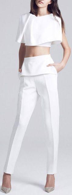 *** fehér nadrág *** maticevski spring/summer 2015 all white trousers and top. Fashion Show, Fashion Outfits, Womens Fashion, Fashion Details, Fashion Design, Look Chic, White Fashion, Passion For Fashion, Plus Size Fashion