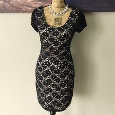 MIMI CHICA Lace Bodycon Dress Super classy! perfect for a date night! Mimi Chica Dresses