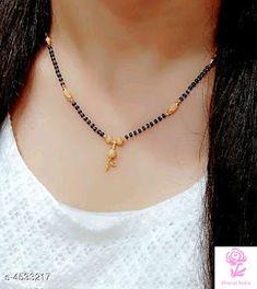 Jewelry Design Earrings, Gold Earrings Designs, Ear Jewelry, Beaded Jewelry, Coral Jewelry, Jewelry Model, Necklace Designs, Jewelry Bracelets, Gold Bangles Design