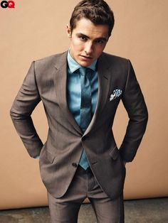 ALL THE TIME. HE LOOKS HOT ALL THE TIME.  dave franco.