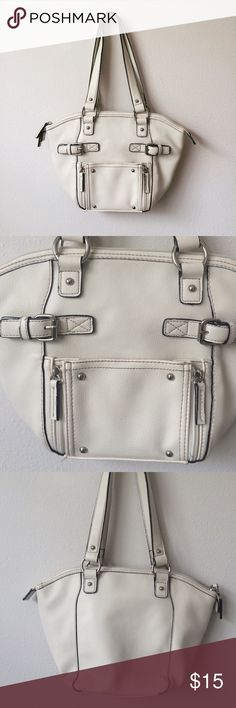 "Off White St Johns Bay Purse Used once and in excellent condition, the bag is Off white. Straps are 10"" long. Entire purse is 18"" long. The width of the top of the purse is 13"", the middle 12"" and the bottom about 7"". Please see photos for style. All zippers are working & intact. Slight staining on the top inside rim of the purse from what looks like glue used before the fabric was sewn on. Please see last photo. Price is firm on this one 🚫trades🚫 St. John's Bay Bags Shoulder Bags"