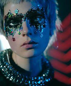 Caroline Brasch Nielsen by Richard Bush for i-D Magazine. Sad clown glitter eyes and stones Uniq One Revlon, Make Up Art, How To Make, Festival Make Up, Glitter Make Up, Glitter Bomb, Glitter Paint, Purple Glitter, Black Glitter