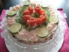 2/3 1. VOILEIPÄKAKKU Katkarapu-Kylmäsavulohi  SAARISTOLAINEN VOILEIPÄKAKKU VALIO… Saaristolainenvoileipäkakku  RIESKARULLAT, PAAHTOPAISTIRULLAT… VALIO…Paahtopaistirull… New Cooking, Home Food, No Bake Desserts, Kitchen Decor, Baking, Cake, Drink, Finland, Blogging