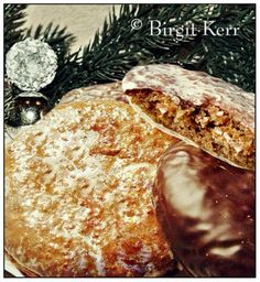 Authentic Nuremburg Elisen Lebkuchen, with very detailed and helpful instructions. I have been searching for a good, authentic German lebkuchen recipe, and this one looks perfect! Making this in the dorms once Christmas rolls around! German Christmas Cookies, German Cookies, Christmas Treats, Christmas Baking, Christmas Time, Christmas Desserts, Xmas Food, Christmas Recipes, Bavarian Recipes