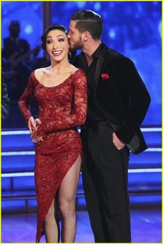 Meryl Davis & Val Chmerkovskiy get judges feedback on #DWTS Week 4 (4/7/14)
