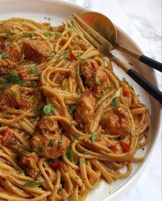 Tapas, Italian Pasta, Creme Fraiche, Spaghetti, Penne, Italian Recipes, Macaroni, Food And Drink, Pizza