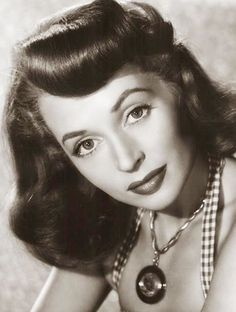 Tracking with Closeups: Lilli Palmer Famous Photos, Iconic Photos, Love Photos, Old Hollywood Glamour, Vintage Hollywood, Classic Hollywood, Anna Magnani, Lilli Palmer, Lillian Gish