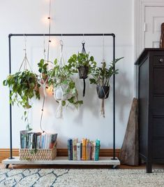 """732 curtidas, 8 comentários - DIY Home (@diyhomebr) no Instagram: """"Ótima inspiração para pendurar plantas em casa sem precisar furar nenhuma parede e ainda dando…"""""""