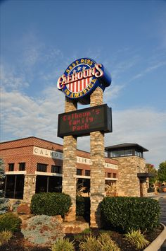 Calhoun's - Best Ribs in America - Located in Pigeon Forge, Tennessee