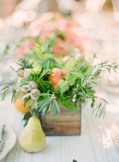 Elegant Picnic Wedding with a Fresh Color Palette - Style Me Pretty Deco Floral, Arte Floral, Painting Still Life, Still Life Art, Watercolor Flowers, Watercolor Art, Still Life Flowers, Art Graphique, Botanical Art